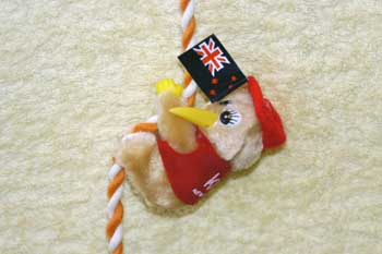 Clip-on Kiwi with Flag - Red