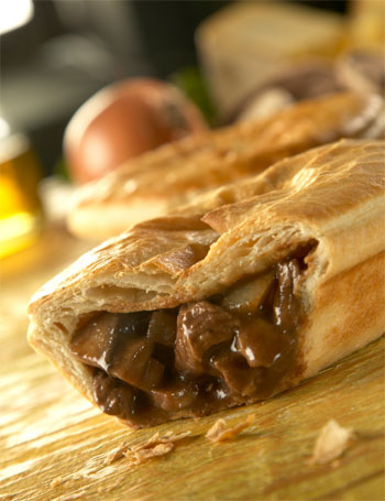 Brother Toms Large Pie - Minced Beef, Onion & Real Ale (215g)